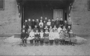 Sand Hill Schoolhouse Students about 1900 or a little later; note the 2 entrances